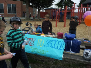 Bike to School Table at Loyal Heights
