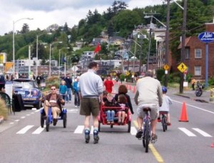 Seattle residents enjoy Summer Streets on Alki