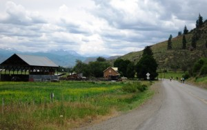 Winthrop-Twisp Road offers scenic, low-traffic cycling.