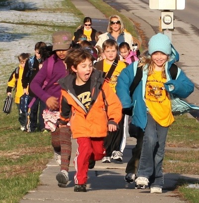 Walking School Bus. Courtesy of Ped Net