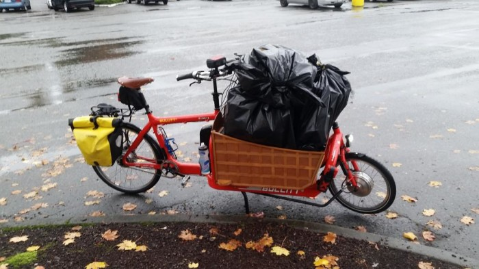 Yes, you can make a Costco run by bike. Glen Buhlmann of Kirkland does it every week.