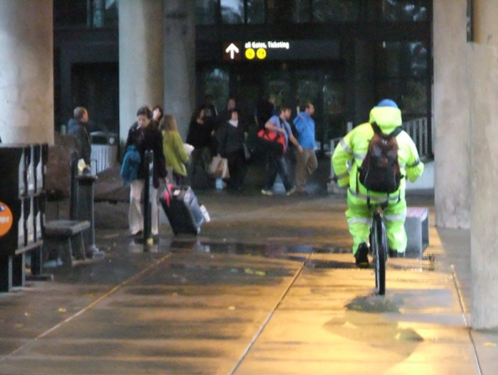 seatac bike commuter