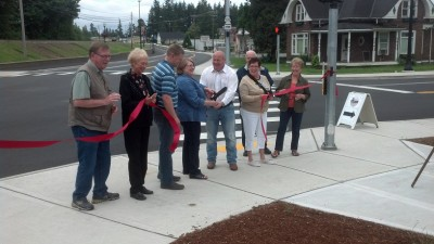 Arlington-ribbon-cutting-06-07-14_Snohomish-Centennial-Trail_Sen-Kurt-Pearson_Arlington-mayor-Barbara-Tolbert-others_forweb