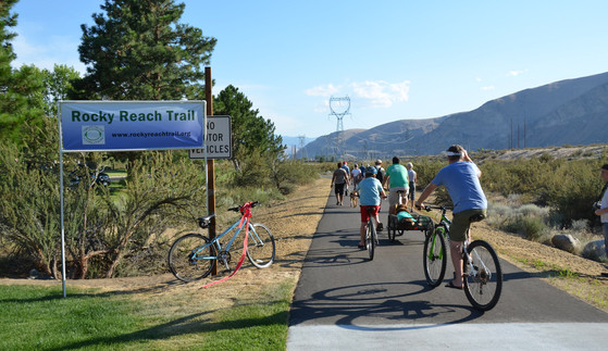 Rocky-Reach-Trail-Phase-I-Ribbon-Cutting-south-from-Lincoln-Rock-State-Park-Wenatchee-pic-by-Complete-the-Loop-Coalition