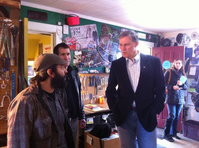 Then candidate Jay Inslee speaks to Davey Oil at Bike Works about a common interest: bikes! Photo courtesy of Seattle Bike Blog
