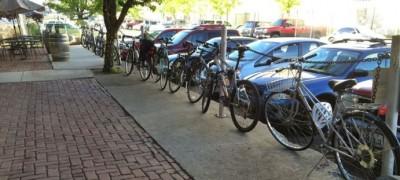 Yakima-bikes-walks-bikes-lined-up